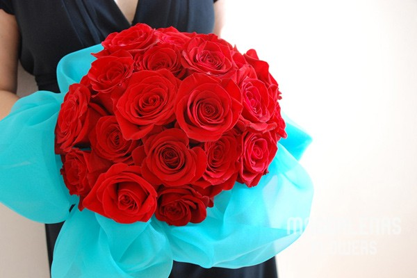 Wedding Amp Party Flowers Red Rose Bouquet With Our Signature Turquoise Organza Trim Magdalena